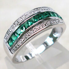 FASHIONABLE EMERALD 925 STERLING SILVER RING SIZE 5-10