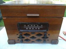 VINTAGE DETROLA 419 TUBE AM RADIO/RECORD CHANGER CIRCA 1941 W/SCHEMATIC/NEEDLES