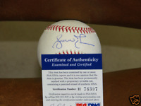 Andruw Jones Autograph / Signed baseball psa/dna Atlanta Braves Dodgers