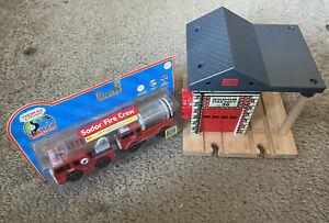 Learning Curve Wooden Thomas Train Lights & Sounds Fire StatIon & Fire Crew!