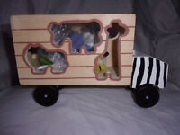"""Melissa & Doug Animal Rescue Shape-Sorting Truck Wooden Learning 11"""" Toy"""