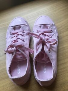 Girls pink converse trainers, only worn once, size 12, really smart