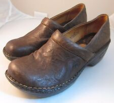 Born Dark Brown Textured Leather Closed Back Clog Women's Size 7 Shoes VGUC