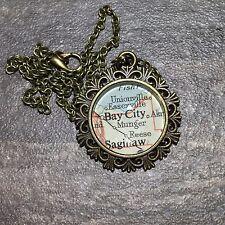SAGINAW MUNGER BAY CITY MICHIGAN USA Map Pendant Bronze necklace vntg ATLAS