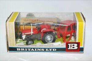 Britains 9529 Massey Ferguson 135 Tractor - Red & White 1965-1970, MIB