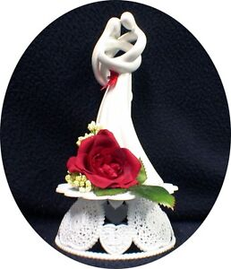 """Romantic Wedding Cake Topper  RED rose """"CIRCLE OF LOVE"""" heart Kim LAWRENCE top"""