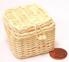 1:12 Scale Square Opening Wicker Basket 4cm x 4cm Tumdee Dolls House Hamper Zx