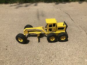 "Vintage Tonka Road Grader 1970's Toy Pressed Metal Yellow 17 3/4"" Long"