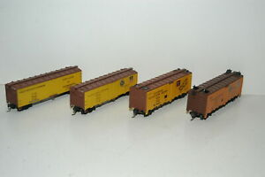 Lot of 4 HO Scale Freight Cars PFE FGEX BREX Kadee Style Couplers