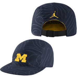 JORDAN MICHIGAN WOLVERINES REVERSABLE SLOUCH FITTED TEAM COLORS OSFM HATCAP NWT