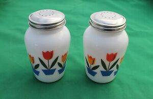 New Milk White Glass Tulips Round Salt & Pepper Shakers Depression Retro Style