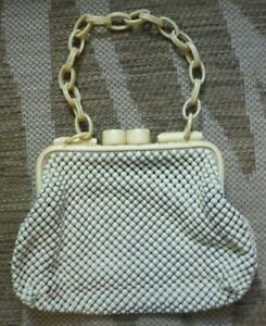"""Vintage 40's """"Alumesh"""" whiting & davis co. purse with bakelite opening and strap"""