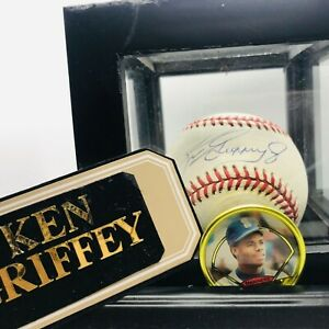 Autographed Ken Griffey Jr American League baseball w/ mint chip & Case
