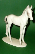 Vieille HUTSCHENREUTHER chevaux personnage cheval personnage poulain porcelaine personnage chevaux Horse