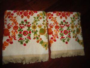 VINTAGE STEVENS UTICA FLORAL RED RUST GREEN ORANGE (2PC) BATH TOWELS 25 X 40