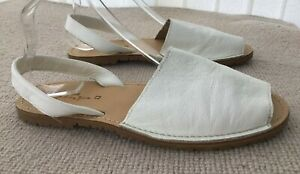 NEXT Made In Spain Cream / White Leather Sandals Size UK 8 42 Boho Shoes Slip On