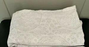 Restoration Hardware RH Castillo Medallion Cotton Linen Full / Queen Duvet