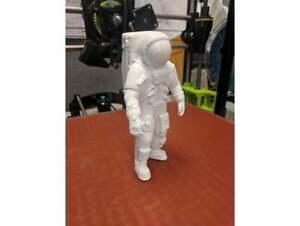 3d printed Apollo Astronaut 1:72