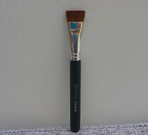 i.d. BARE ESCENTUALS bareMinerals Flathead Shadow Brush, Brand NEW!