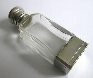 A Victorian silver scent bottle and vinaigrette, F.Marson, Birmingham, 1877