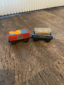Thomas & Friends Wooden Railway Dino Fossil Discovery Cars Dinosaur Eggs Lightup