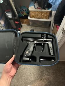 paintball gun used comes with hopper gun was used maybe 4 times