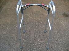 Drive Medical WA008 ligero, Plegable, Altura Ajustable Walker.