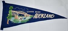 VINTAGE AUCKLAND HARBOUR BRIDGE NEW ZEALAND SOUVENIR FELT PENNANT FLAG