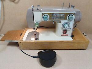 Vintage Novum Deluxe Mark X Sewing Machine