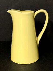 """Vintage 1950's USAArt Pottery Pale YellowRARE 8 1/2"""" Water Pitcher W/ Ice Lip"""