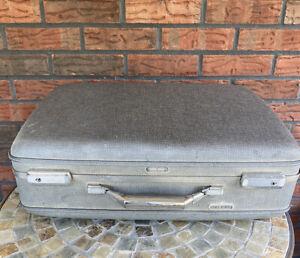 Vintage American Tourister Luggage Suitcase Tiara Hard Case Travel Bag 21 x 16