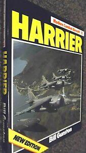MODERN COMBAT AIRCRAFT #13: HARRIER / Bill Gunston (1984 NEW EDITION)