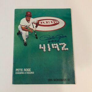 PETE ROSE Hand Signed On Cover 1985 Cincinnati Reds Scorebook Magazine