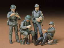 Tamiya 35129 1/35 Scale Military Figure Model Kit WWII German Soldiers at Rest
