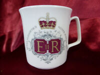 1977 Royal Grafton Queen Elizabeth II SILVER JUBILEE CHINA MUG (2) Memorabilia