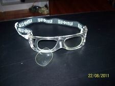 Lens or lensless eye protection racquetball and handball goggles