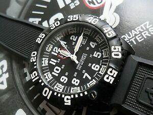 Clean 44 mm Men's Luminox Navy Seal 3050 Series Swiss PC Carbon 200M Watch Runs