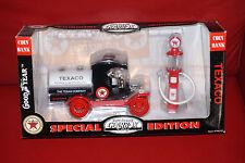 Gearbox Texaco 1912 FORD Model T Oil Tanker Truck & 1920 Gas Wayne Pump Bank NIB