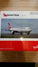 Herpa 558532 - 1/200 Airbus a330-300 NEW 2016 colors-Qantas-NUOVO