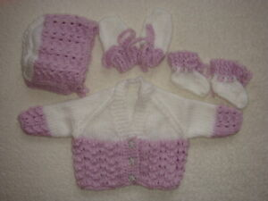 """WHITE/LILAC CARDIGAN, BONNET, MITTENS/BOOTEES 14"""" CHEST PREM BABY"""