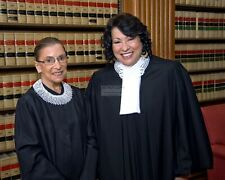RUTH BADER GINSBURG & SONIA SOTOMAYOR SUPREME COURT - 8X10 PHOTO (OP-325)