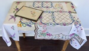 Large Lot Vintage Hand Embroidered Linen Tray Table Cloths Pretty Flowers