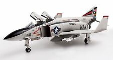 BBI Blue Box Elite Force 1:32 U.S. Navy F-4J Phantom II, VFA-154 Squadron/Pilot.