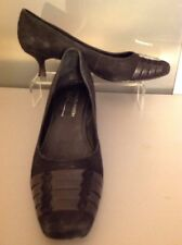 Women's 8 DONALD J PLINER Black Suede