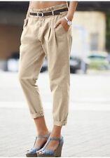 Bequem sitzende Damenhosen im Chinos-Stil in Kurzgröße