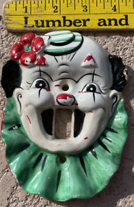 VINTAGE 1940's-50's PORCELAIN CLOWN FACE LIGHT SWITCH WALL PLATE SCARY CUTE!