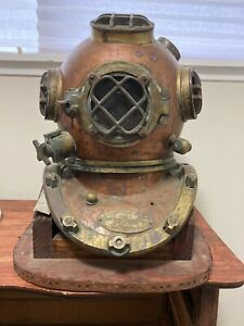 Reproduction US Navy Dive Helmet