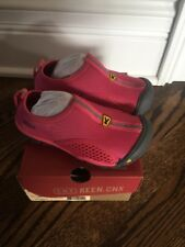 Keen Girls Shoes Size 10 Very Comfy Pink waterproof or water shoes