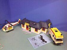 (O3130.2) playmobil petit hopital ref 3130 avec ambulance et hélicoptère