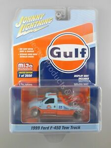 Johnny Lightning 1999 Ford F-450 Gulf Livery Tow Truck 1:64 Scale